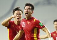 Thắng nghẹt thở Malaysia 2-1, tuyển Việt Nam xây chắc ngôi đầu bảng G